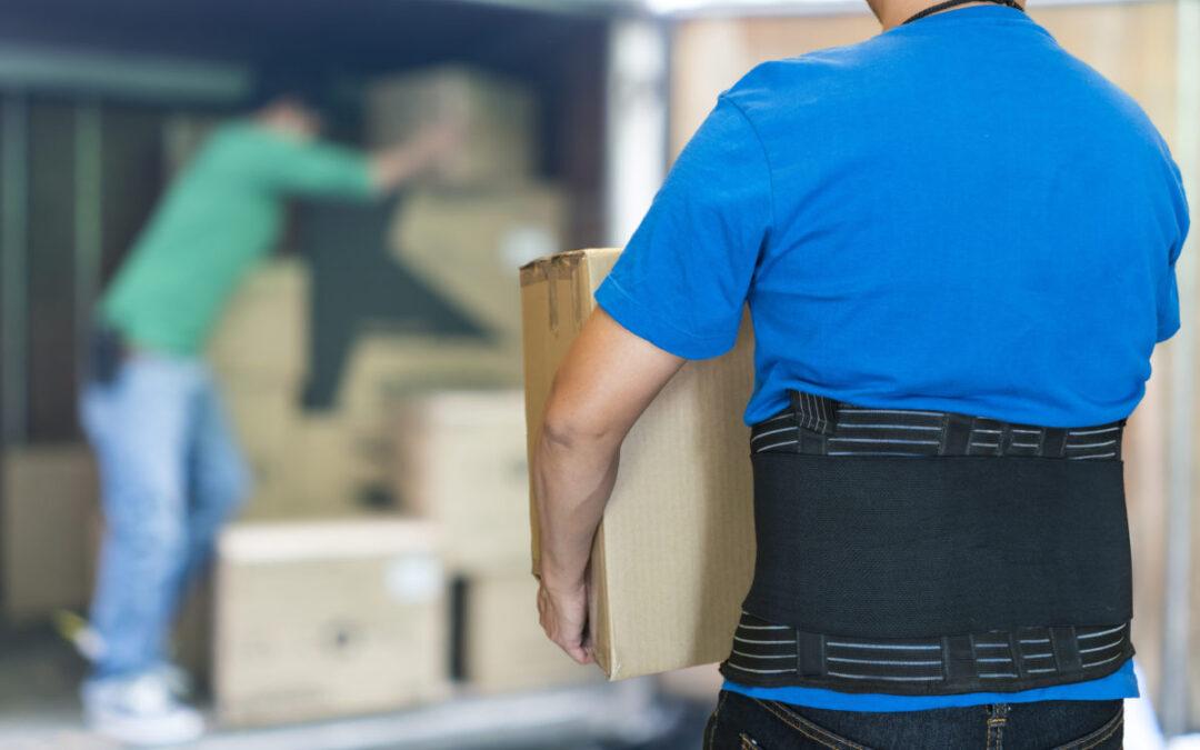 Cinto lombar no trabalho: conheça seus riscos
