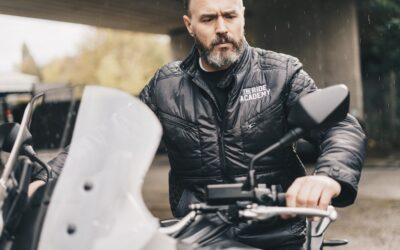 Moto, frio e chuva: o que vestir para uma pilotagem segura?
